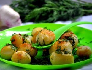 Блюда из молодого картофеля: топ 3 рецепта