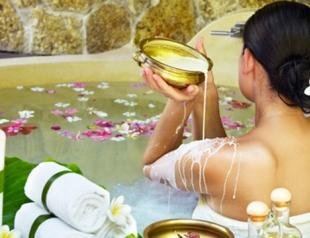 Как правильно сделать лечебную травяную ванну