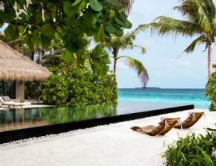 Корпорация LVMH открывает отель на Мальдивах. Фото