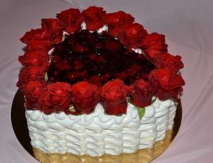 Мастер-класс ко Дню Валентина: торт с розами