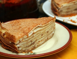 Монастырский блинный торт: праздничный рецепт