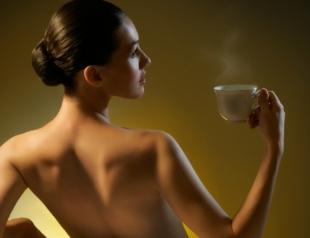 Ученые: от кофе у женщин уменьшается грудь