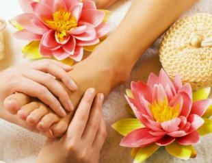 Как делать точечный массаж стоп и рук? Видеоурок