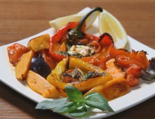 Теплый салат из овощей. Видео-рецепт