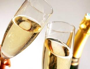 Шампанское улучшает память и мозговую активность