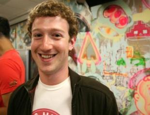 Facebook: сухая статистика и день рождения Цукерберга