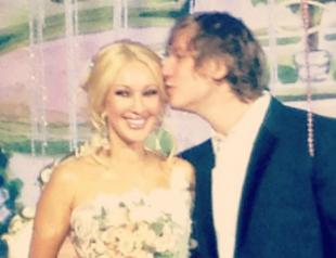 Лера Кудрявцева вышла замуж за хоккеиста