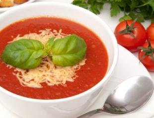 Летний рецепт: легкий и полезный томатный суп