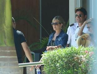 Дженнифер Энистон и Джастин Теру на отдыхе в Мексике