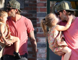 Дэвид Бекхэм зацеловал дочь на шопинге