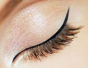 Как правильно красить глаза подводкой: мастер-класс