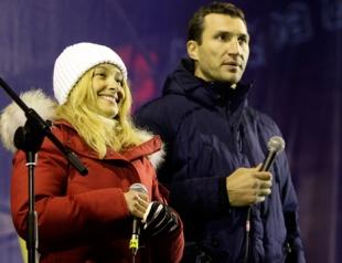 Невеста Владимира Кличко выступила на Евромайдане