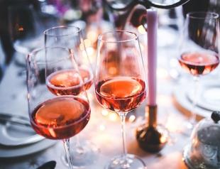 Гастрономическое путешествие: где выпить розового вина
