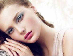 Женщины переживают по поводу внешности 26 дней в году
