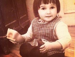 Флешмоб в Сети: звезды публикуют детские фото