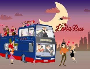 В Киеве стартуют романтические вечерние экскурсии на двухэтажных автобусах