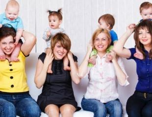 Ученые: женщины беременеют после родов близких подруг