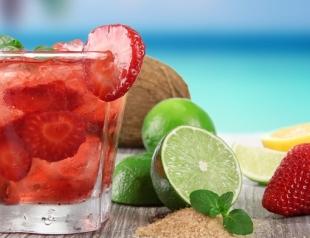 Напитки, которые можно делать в офисе в знойное лето