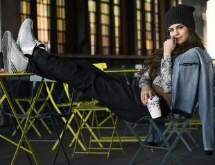 Селена Гомес презентовала собственную коллекцию adidas NEO