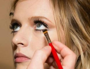 Идеи для макияжа, что сделают глаза визуально больше