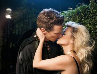 Как целуются лучшие актеры года