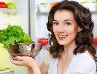 Как приготовить полезный салат из того, что есть в вашем холодильнике