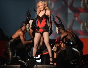 Как знаменитости конфузились на сцене: 5 запомнившихся выступлений