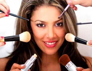 Какие кисти для макияжа нужны каждой девушке. Инфографика