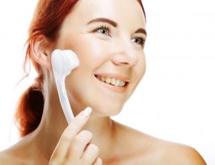 Чистка кожи: что такое брашинг