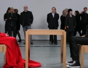 Могут ли чувства уйти навсегда: художница показала неразрывную связь влюбленных
