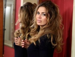 Галерея причесок Виктории Бони: секреты идеальных волос звезды