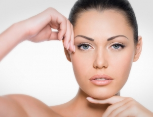 Какие маски для волос и кожи с витамином Е можно сделать дома