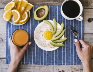 Простые рецепты белкового завтрака для эффективного похудения: 5 вариантов