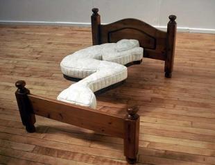 Пять причин спать на полу: советует экстрасенс Максим Гордеев