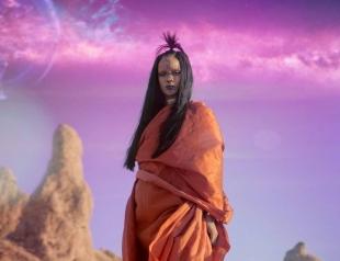 """Рианна представила клип на песню Sledgehammer из фильма """"Стартрек: Бесконечность"""". Смотрите видео"""