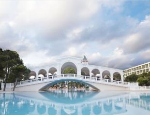 Отдых в Анталии: когда ехать, как выбрать отель, что брать с собой и что везти обратно