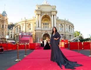 Одесский кинофестиваль 2016: красная дорожка (Маша Ефросинина, Джамала, Холостяк Иракли с Аленой Лесык и другие)