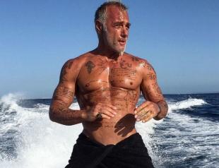 50-летний танцующий миллионер стал звездой интернета (ВИДЕО)