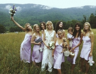 Instagram-антишик: звезда street style Ханна Габи Одиль вышла замуж в бюстгальтере