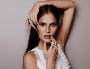 Украинская модель Алла Костромичева покорила всех на показе белья в Париже