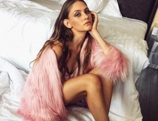 Финалистка шоу Супермодель по-украински 2 Арина Любителева вышла на подиум в компании с Пэрис Хилтон и Аллой Костромичевой