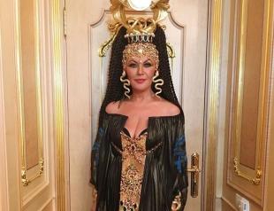 Таисия Повалий поразила поклонников образом Клеопатры на концерте Николая Баскова
