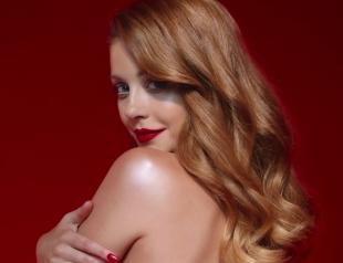 """Тина Кароль выпустила видео-аллегорию про любовь, страсть и вожделение: премьера клипа """"Перечекати"""""""