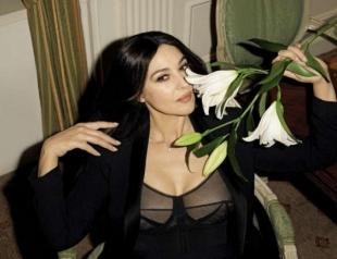 Моника Беллуччи в 52 года снялась в смелой провокационной фотосессии для мужского глянца (ФОТО)