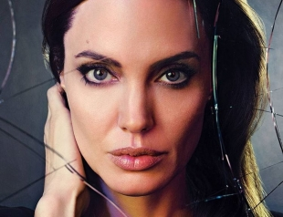 Анджелина Джоли до cих пор не может забыть Брэда Питта: актриcа раccказала, как отноcитcя к бывшему мужу