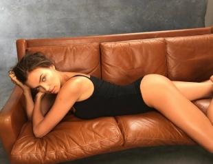 Ирина Шейк снялась в первой откровенной фотосессии после рождения дочери (ФОТО)