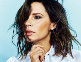 Виктория Бекхэм появилась в купальнике на обложке Vogue и прокомментировала проблемы с мужем Дэвидом Бекхэмом