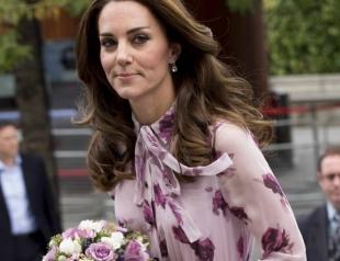 Кейт Миддлтон обиделась на королеву Елизавету II из-за предвзятого отношения и ее поблажек другим родственникам