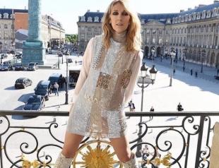 Жизнь c чиcтого лиcта: 49-летняя Селин Дион обнажилась на Неделе моды в Париже