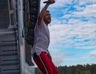 Король пляжа: Иван Дорн похвастался спортивным торсом (ФОТО)
